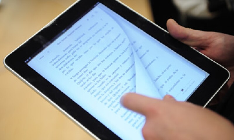 Las editoriales y Apple deberán abstenerse de tener nuevos acuerdos, según informó la UE. (Foto: AP)