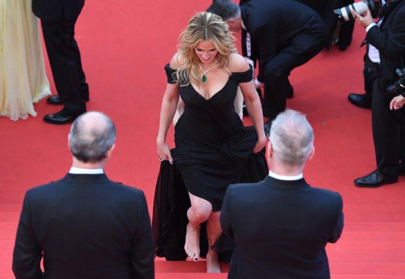 La actriz desfiló por la red carpet del festival de cine francés sin tacones.