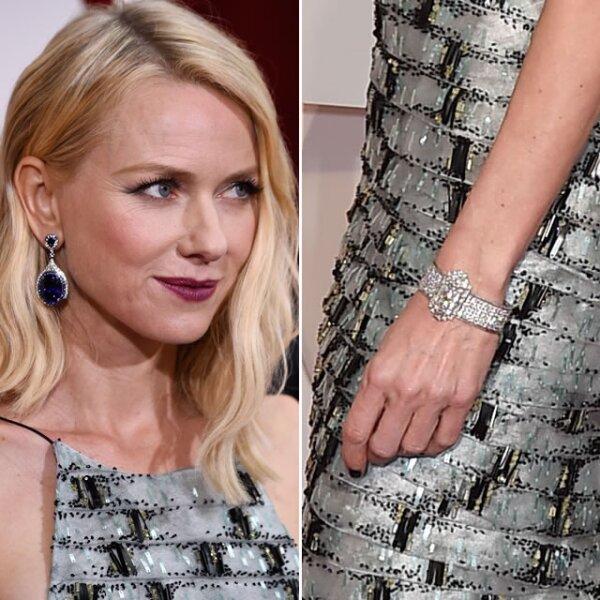 La actriz Naomi Watts brilló con la pulsera Wallis Simpson y aretes Modern Art Deco de zafiro de Anna Hu.