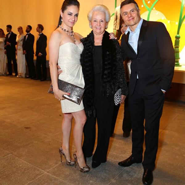 Paulina y Gaby Madrazo y Héctor Hassey
