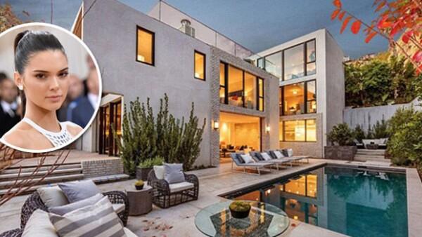 La modelo compró la casa de Emily Blunt y su esposo en Hollywood, pues ellos planean mudarse a la costa este.