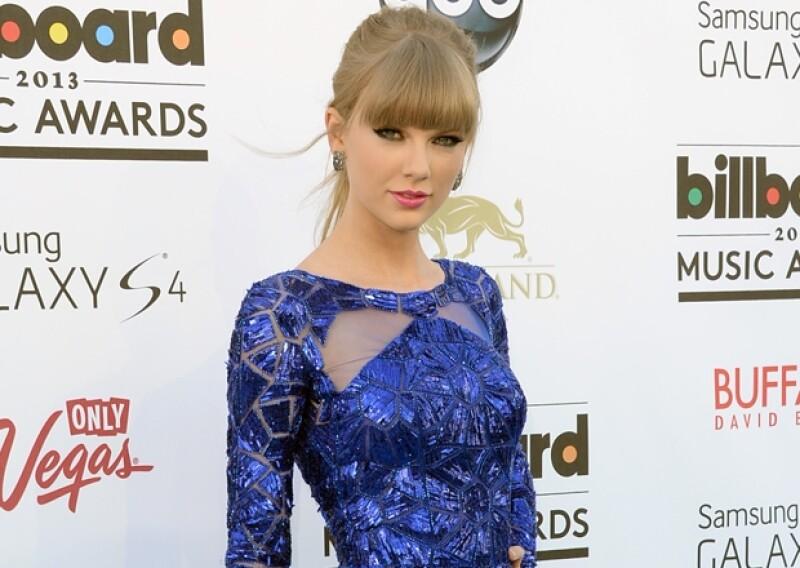 Taylor Swift dejó ver lo mucho que odia al cantante durante la entrega de los premios Billboard el año pasado.
