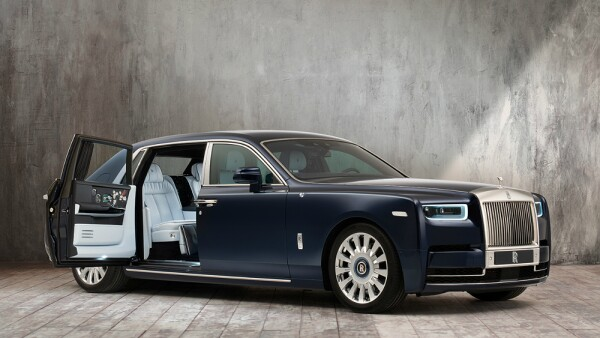 RollsRoyce Rose Phantom 1.jpg