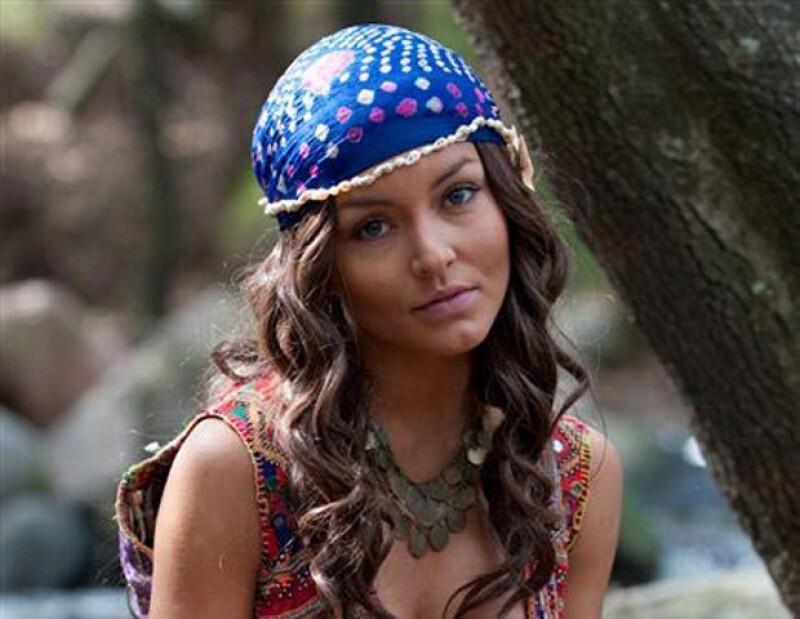 La actriz se pintó el pelo de castaño para su personaje de `Ximena´ en `Corazón Salvaje´.