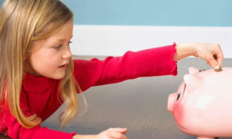 No es saludable darles todo a los pequeños, ya que no comprenderían jamás el valor de los bienes.  (Foto: Thinkstock)