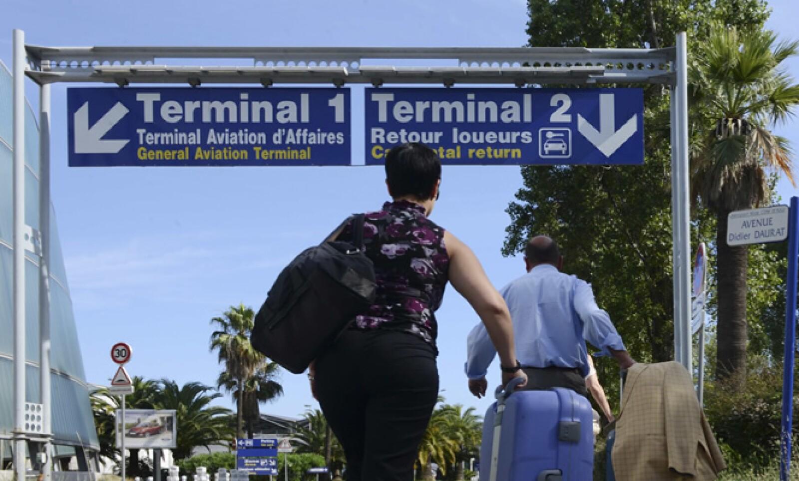 La huelga provocó bloqueos en las carreteras de acceso a las principales ciudades francesas y aeropuertos del país.