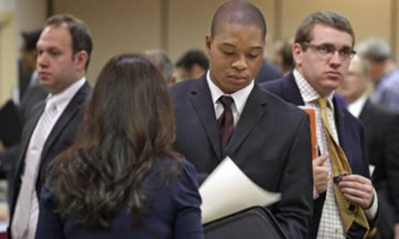 La Fed compra bonos por 85,000 mdd mensuales para alentar la recuperación de Estados Unidos. (Foto: Reuters)