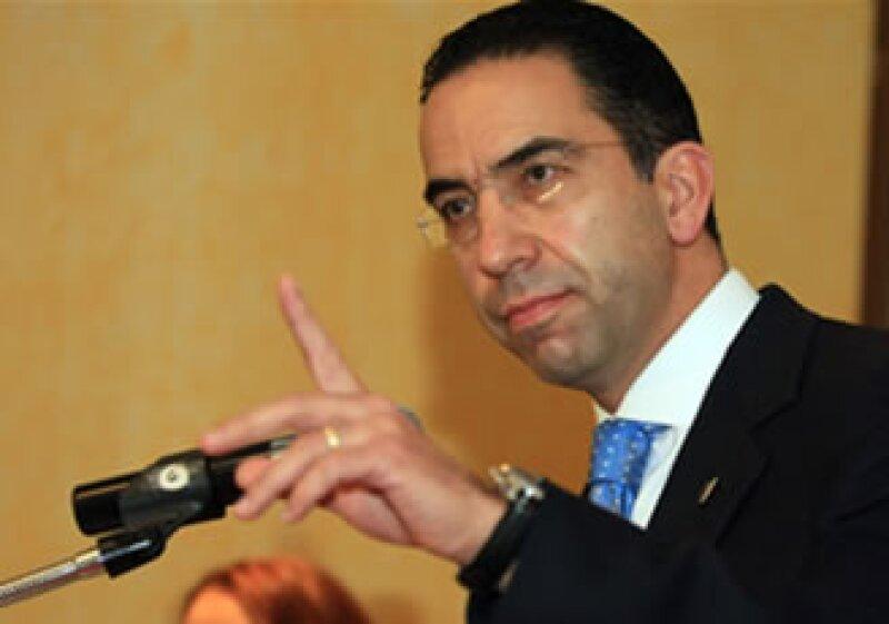 El secretario del Trabajo, Javier Lozano, dijo que el capital que Mexicana requiere para ser viable en el corto plazo es de mínimo 200 mdd. (Foto: Archivo)