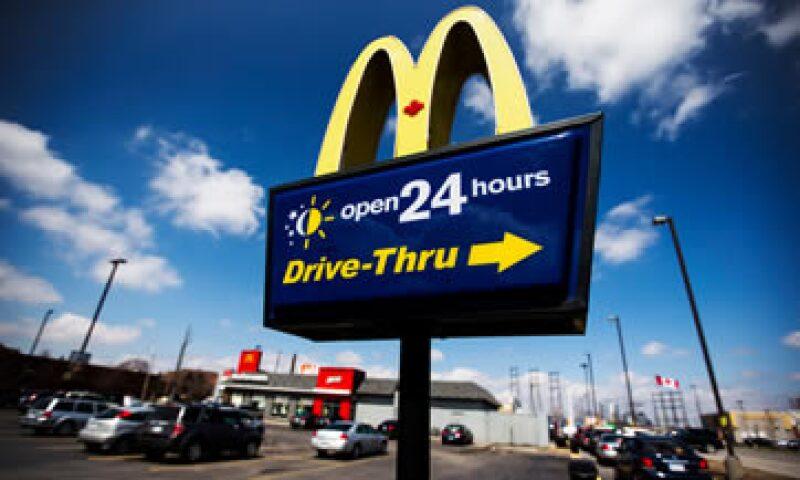 El gigante de la comida rápida ha tenido dificultades en EU debido a un débil crecimiento del empleo.  (Foto: Reuters)