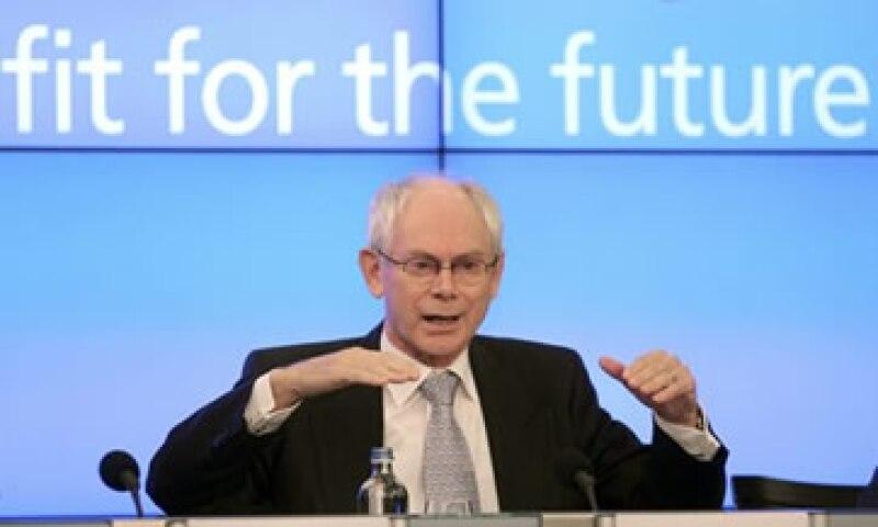 """""""Tenemos que luchar por nuestra unión monetaria y económica…Y por el lugar de Europa en el mundo"""", dijo Rompuy. (Foto: Reuters)"""