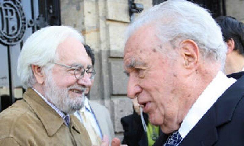 Julio Scherer (derecha) cumpliría 89 años en abril próximo. (Foto: Notimex )