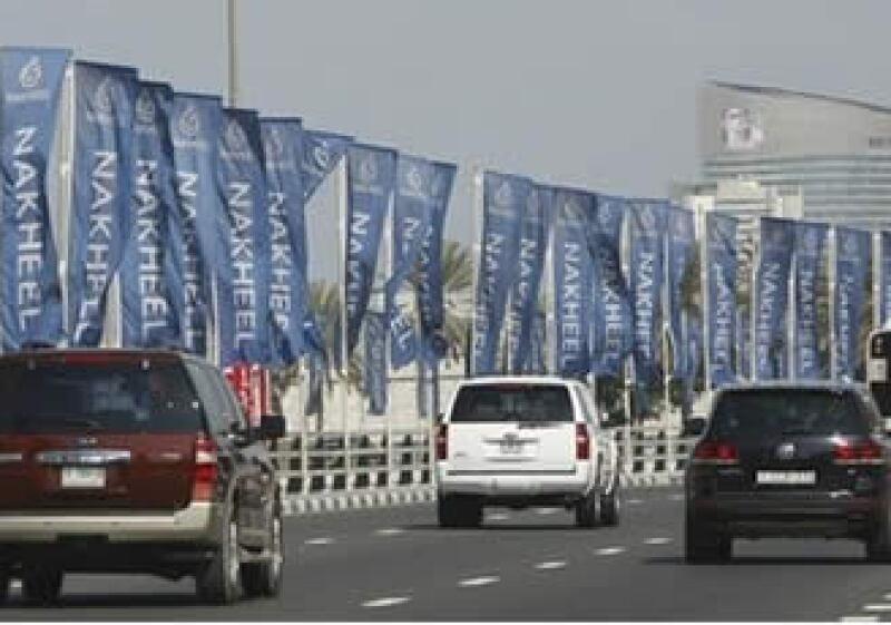Los mercados se están viendo sacudidos estos días luego de que Dubai pidiera más tiempo a los acreedores de dos de sus multimillonarias firmas insignia para cumplir con un vencimiento de deuda.  (Foto: AP)