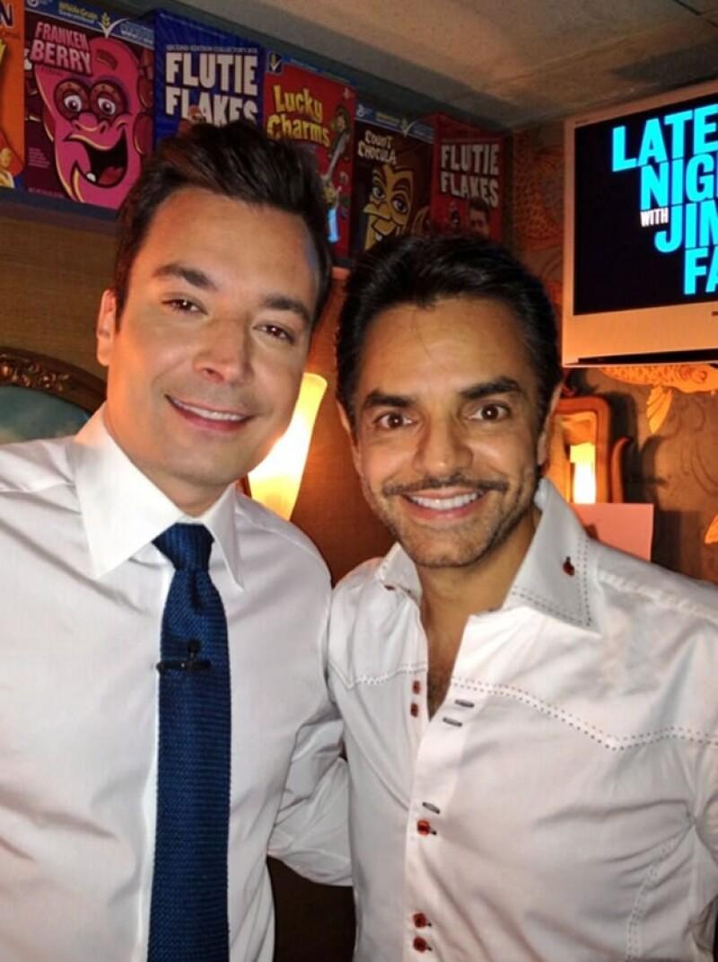 """With my New Friend @jimmyfallon ! Thanks for inviting me! (Con mi amigo Jimmy Fallon. Gracias por invitarme)"", escribió Eugenio junto con esta foto."