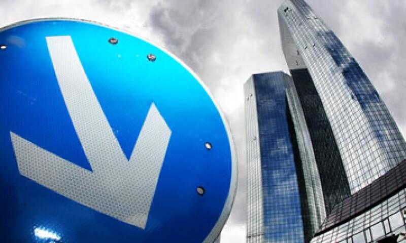 En julio se difundió que el regulador de los mercados alemanes investigaba al banco por la manipulación de la tasa Libor. (Foto: AP)