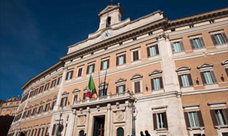 La deuda de 1.9 billones de euros es un factor que hace pensar en un próximo rescate para Italia. (Foto: AP)