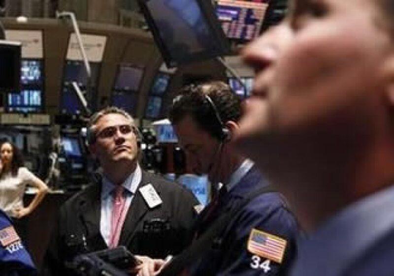 Una caída en los precios de las materias primas ha ocasionado un desaliento en el mercado. (Foto: Reuters)