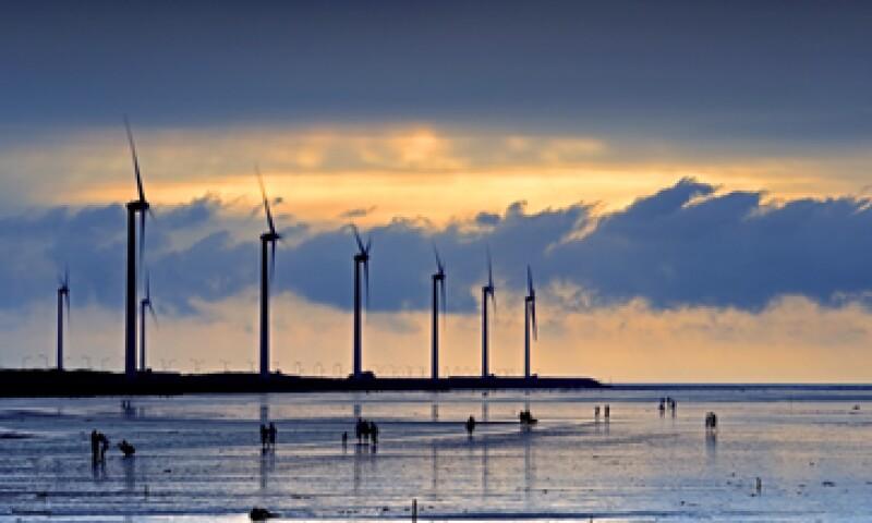 Peña Nieto deberá impulsar proyectos público-privados para la instalación de mayor capacidad de este tipo de energía, dice la AMDEE. (Foto: Getty Images)