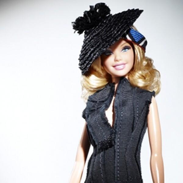En el 2000, la muñeca generó un escándalo al romper con su novio de mucho tiempo, Ken, y refejó un físico más deportivo y mucho glamour.
