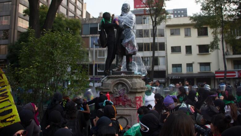 Marcha_Contra_Violencia_Hacia_Mujer-12.jpg