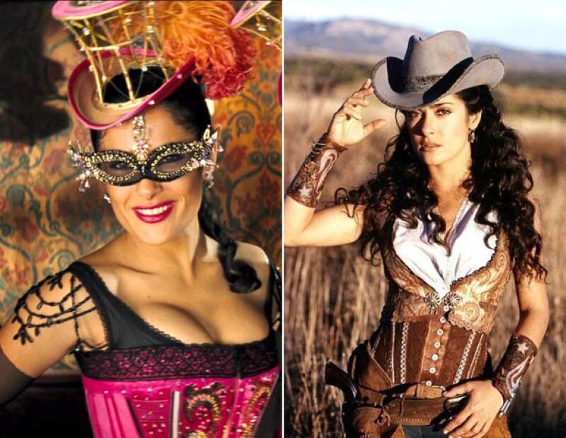 De regreso al viejo oeste, Salma muy sexy en los vestuarios para Bandidas.