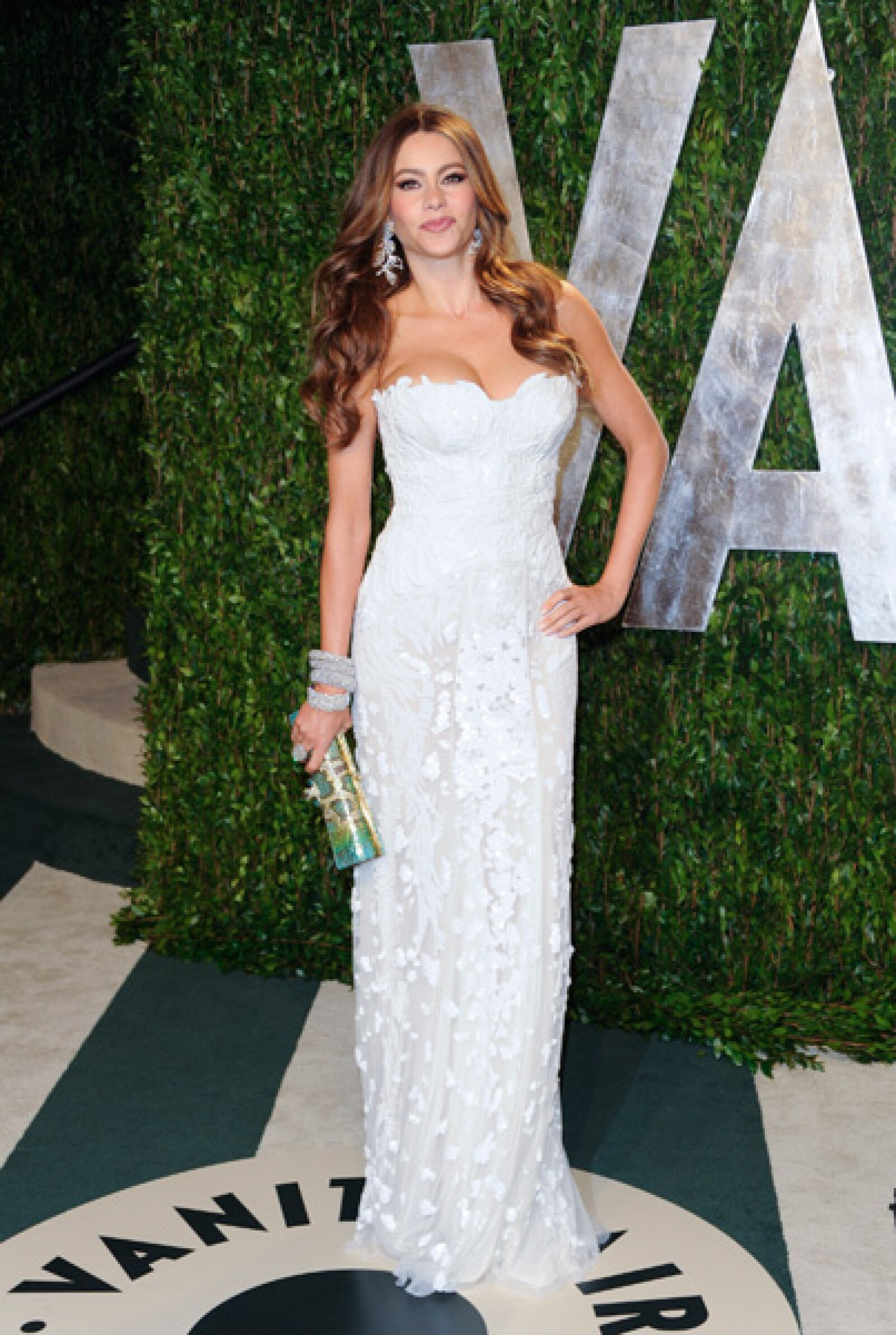 Sofía Vergara se posicionó como la segunda mujer más hermosa del mundo.  Explicó a la revista al respecto de su cuerpo: .`No me avergüenza. Me ha abierto puertas´