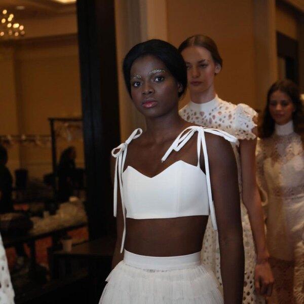 Kris-Goyri-MBFWMx-White-Top-White-Skirt-Look