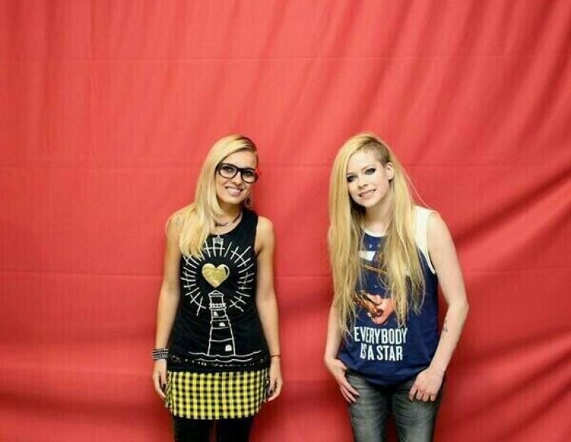 Ni una mirada, Avril no tuvo ningún detalle con sus fans.