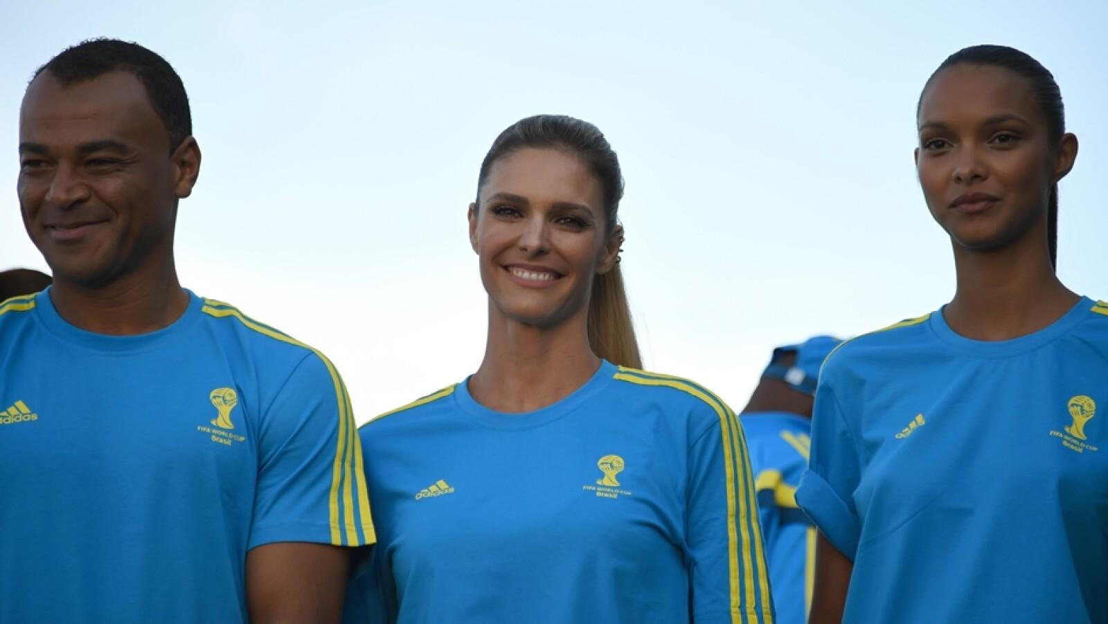 Fernanda Lima uniforme voluntarios Mundial