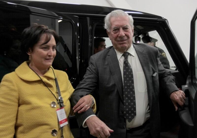 El Nobel de Literatura 2010 está en México con motivo del encuentro VIVA Perú, y en entrevista contó que desconfía de la tecnología y también habló de su nuevo libro.
