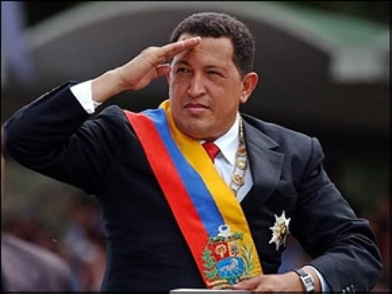 El vicepresidente, Nicolás Maduro, anunció entre lágrimas que `el Comandante´ perdió su batalla contra el cáncer.