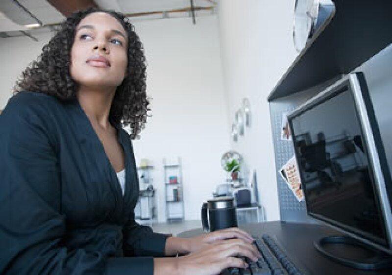 La crisis ha generado cambios en los contratos y roles laborales de muchas empresas. (Foto: Jupiter Images)