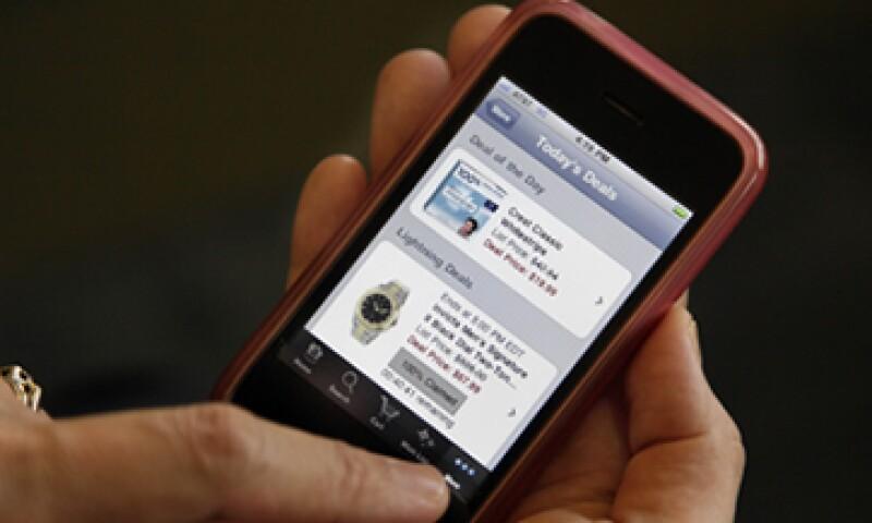 La utilidad de los teléfonos inteligentes es también un atractivo para los criminales. (Foto: AP)