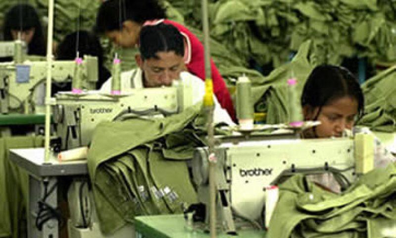 La industria manufacturera, maquiladora y de servicios de producción del país da empleo a 2.07 millones de personas en México. (Foto: Archivo)