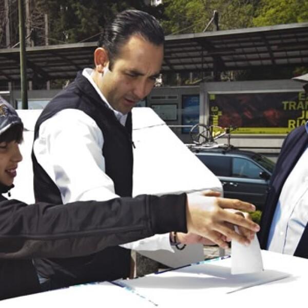 Gil Zuarth voto elección