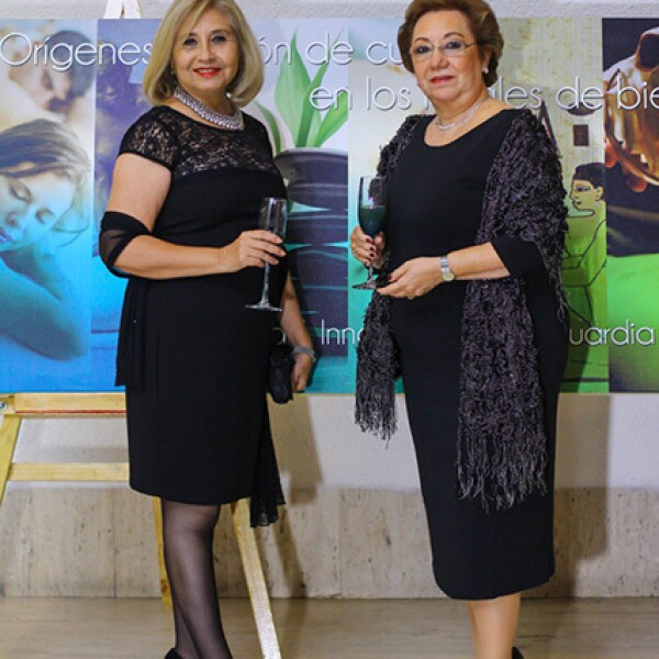 Zorina Rubio y Teresa Moreno