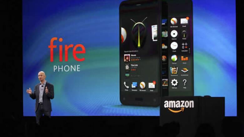 Amazon ingresa al negocio de los teléfonos móviles inteligentes al anunciar en Seattle el lanzamiento de su primer smartphone llamado Fire Phone.