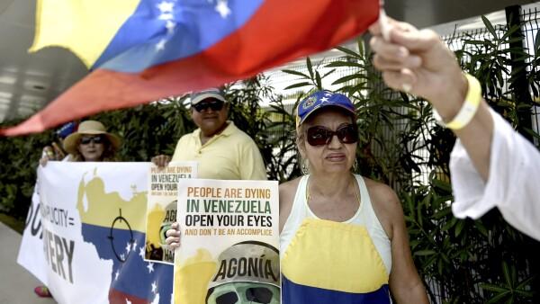 Crisis en Venezuela 'salta' a México
