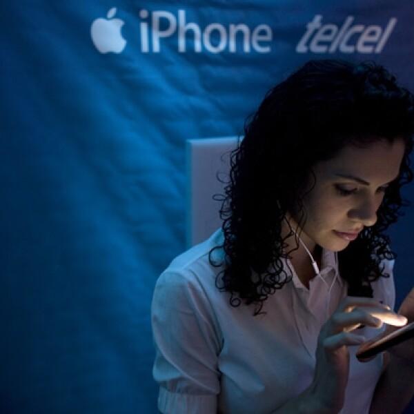 El iPhone 3G fue el primer equipo que se vendió de manera oficial en México, con Telcel como operador exclusivo.
