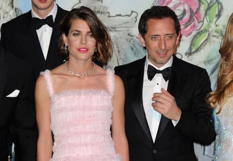 Aunque tras la noticia de su embarazo se aseguró que la pareja contraería matrimonio a fines de diciembre, en entrevista el actor negó dicha información.