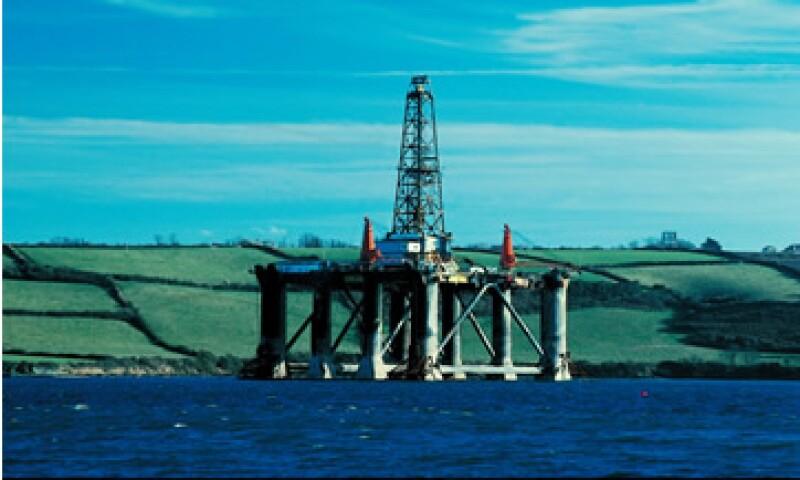 La producción de gas cayó 6.9% debido a los bajos precios del energético en el mercado de EU. (Foto: Thinkstock)
