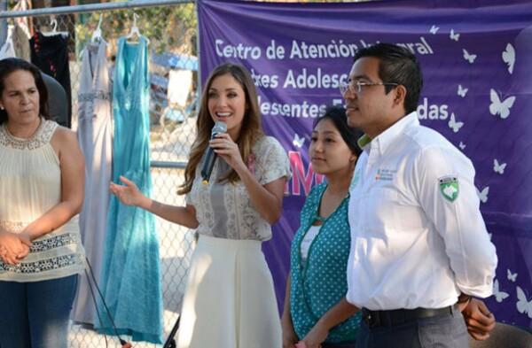 La también cantante dio palabras de aliento para impulsar a las mujeres Chiapanecas.