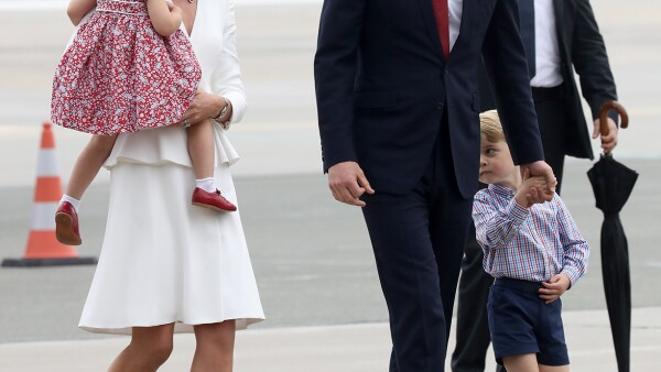 Kate Middleton, príncipe William, George y Charlotte en Varsovia