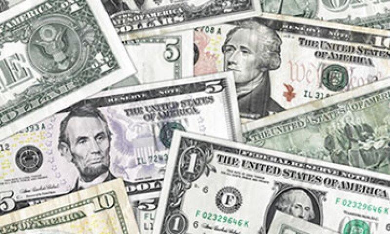 El dólar se adquiere en un mínimo de 12.49 pesos. (Foto: Getty Images)