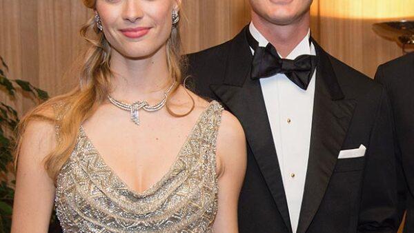 El hijo Carolina de Mónaco y su novia ya son esposos después de siete años de relación, pues fue hoy cuando contrajeron matrimonio por lo civil.