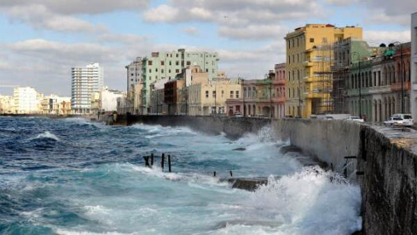 Malec�n, Cuba