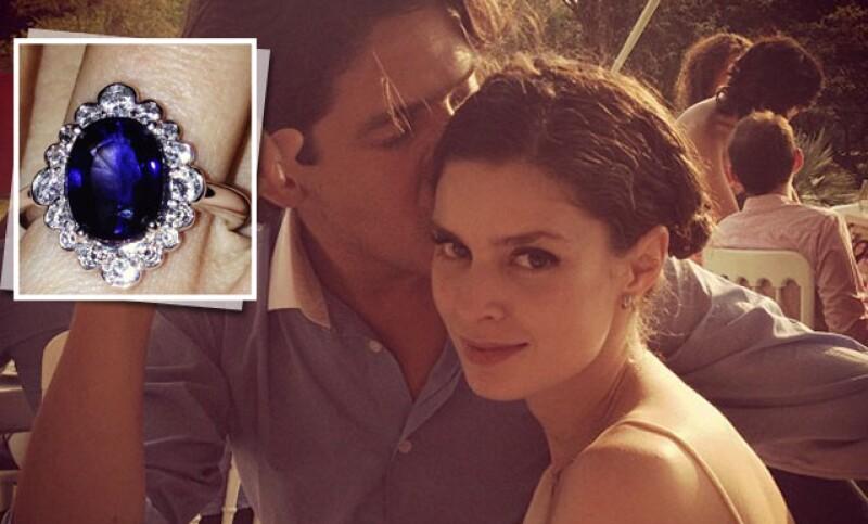 La hija del arquitecto Miguel Ángel Aragonés está feliz porque su novio le entregó el anillo de compromiso y aunque no hay fecha fija de boda, ya piensan comenzar su vida en familia.
