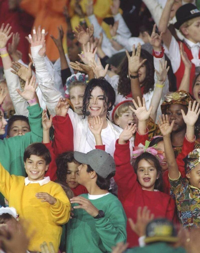 El bailarín asegura que Michael tenía una sofisticada red de pedofilia.