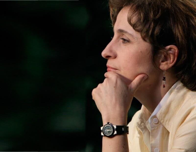Carmen Aristegui se incorpora en el mundo de la información noticiosa a través de las redes sociales.