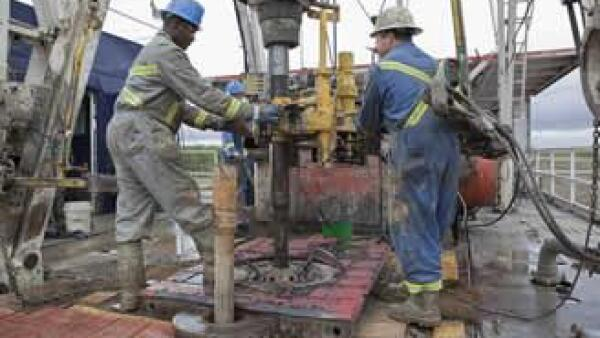 petroleo trabajadores plataforma