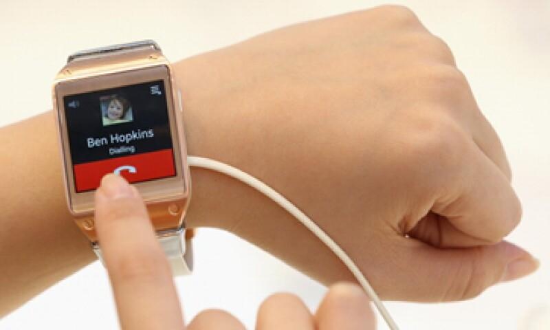 El reloj tiene una cámara montada en la pulsera, capaz de tomar fotos de 1.9 megapíxeles y grabar video a 720p. (Foto: Getty Images)